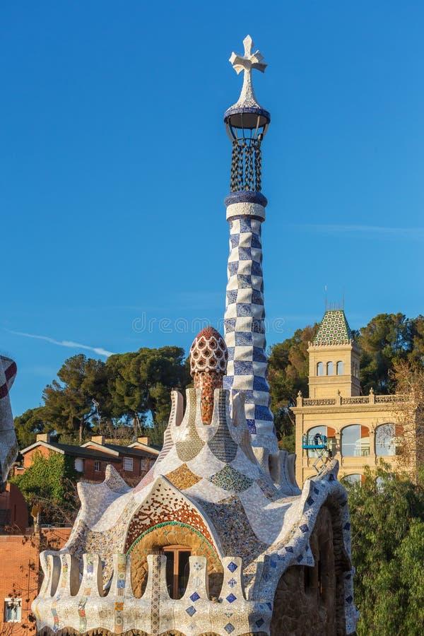 Berömd Casadel Guarda parkerar in Guell i Barcelona, Spanien Top beskådar arkivbild