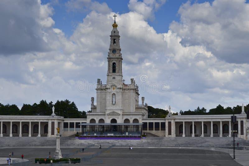berömd för portugal för fatima iteresting ställepunkt viewl klosterbroder fotografering för bildbyråer