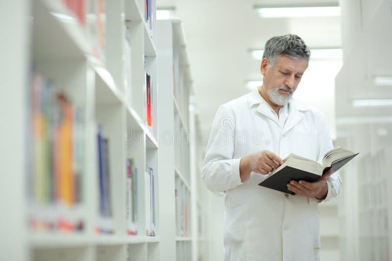 berömd forskare för doktorsarkiv
