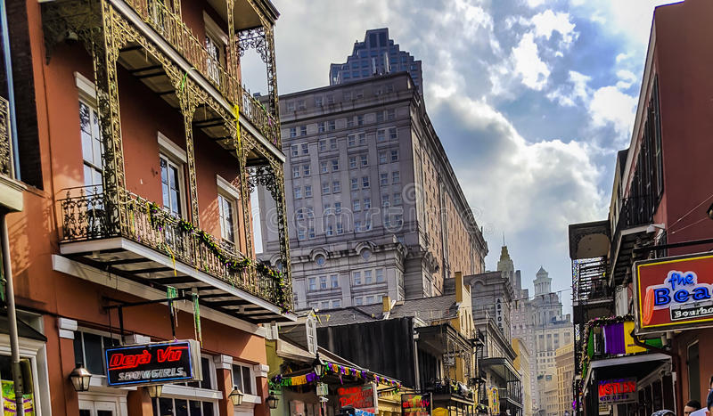 Berömd fransk fjärdedel i New Orleans efter Mardi Gras fotografering för bildbyråer