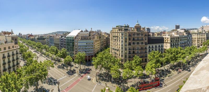 Berömd gata av Passeig de Gracia i Barcelona, Spanien arkivbilder