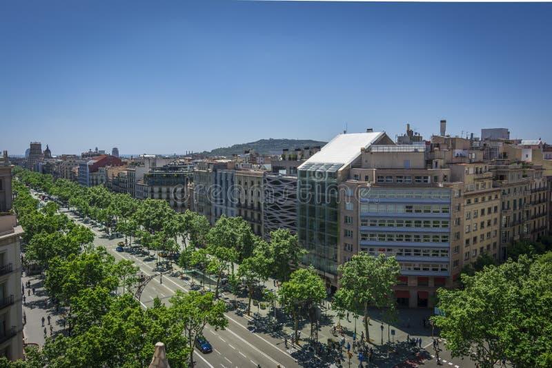 Berömd gata av Passeig de Gracia i Barcelona, Spanien arkivbild