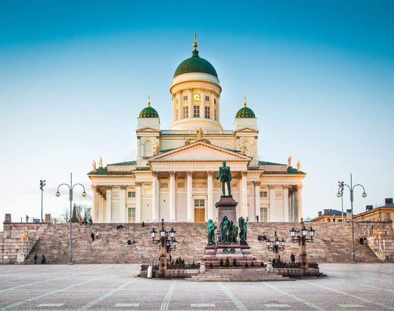Berömd Helsingfors domkyrka i aftonljus, Helsingfors, Finland arkivfoto
