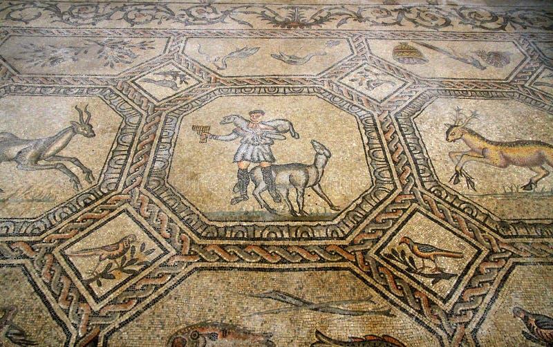 Berömd mosaik av den bra herden i den historiska kyrkan av AQU royaltyfri fotografi