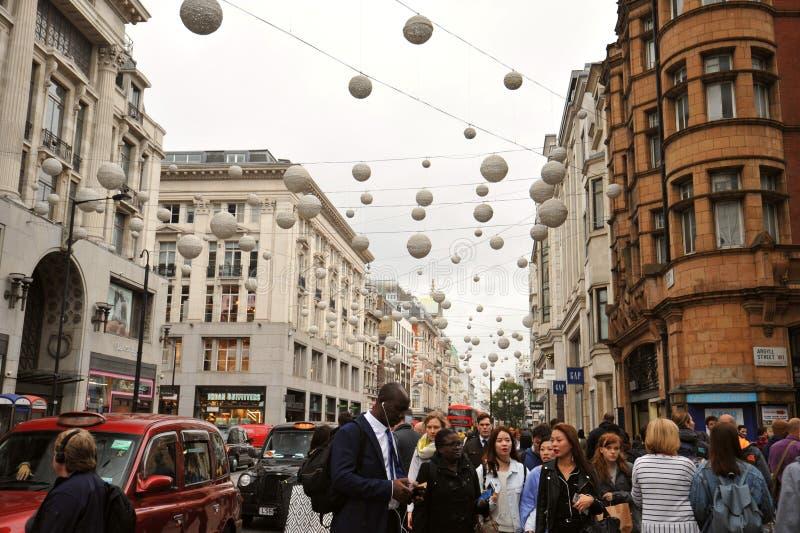 Berömd Oxford gata i London, England arkivbilder