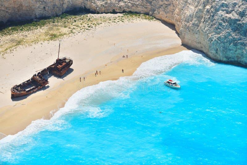 Berömd skeppsbrottfjärd, Navagio strand, Zakynthos ö, Grekland Ett av de populäraste ställena på planeten arkivbilder
