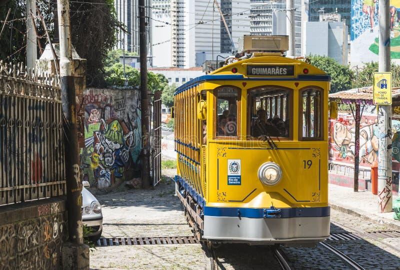 Berömd spårvagn från Lapa till det Santa Teresa området, Rio de Janeiro, arkivfoto