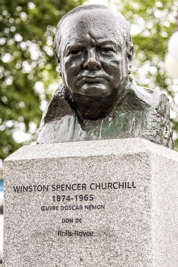 Berömd staty av Winston Spencer Churchill i Quebec City, Kanada royaltyfri fotografi