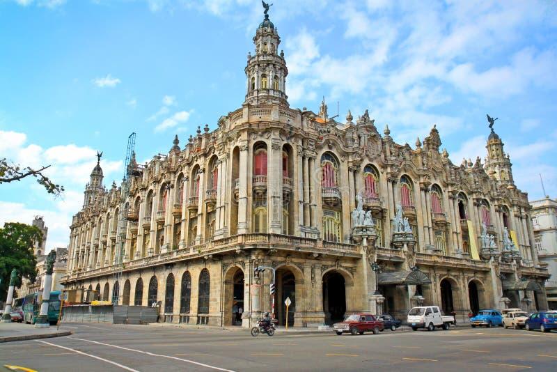 Berömd stor teaterbyggnad i Havana, Kuba royaltyfria bilder