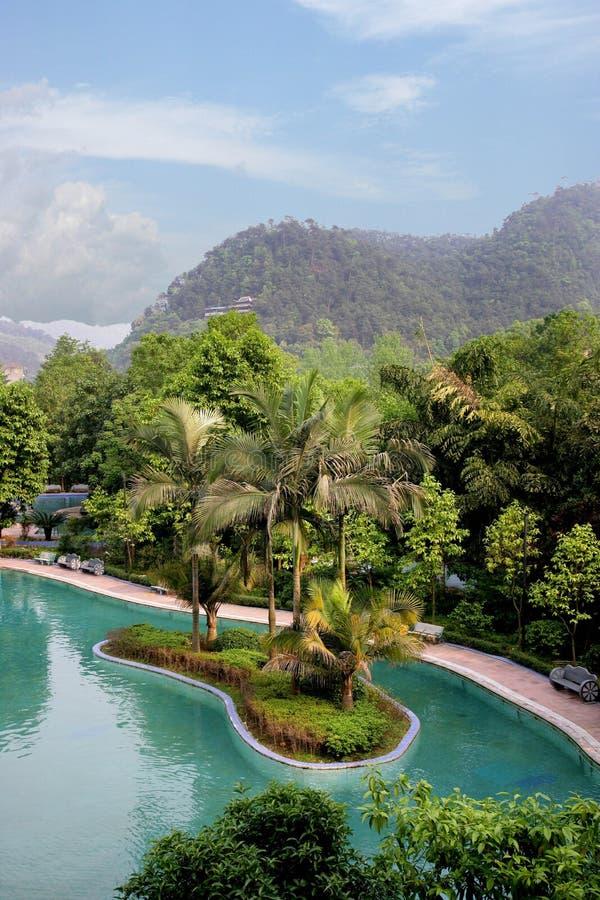 Berömd turist- scenisk fläck himmelska Chongqing East Hot Springs Spa för kines royaltyfri fotografi