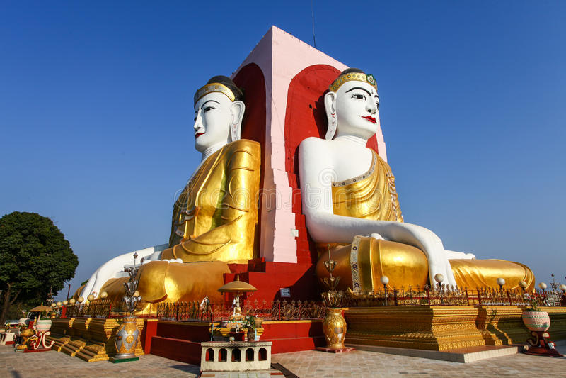 Berömda fyra Buddha av den Kyaikpun pagoden, Bago, Myanmar, Asien arkivfoton