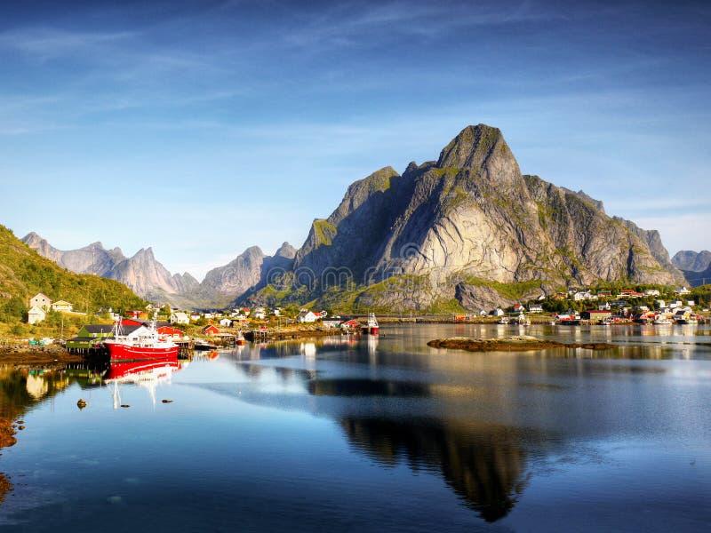 Berömda Lofoten, Norge landskap, Nordland royaltyfri bild