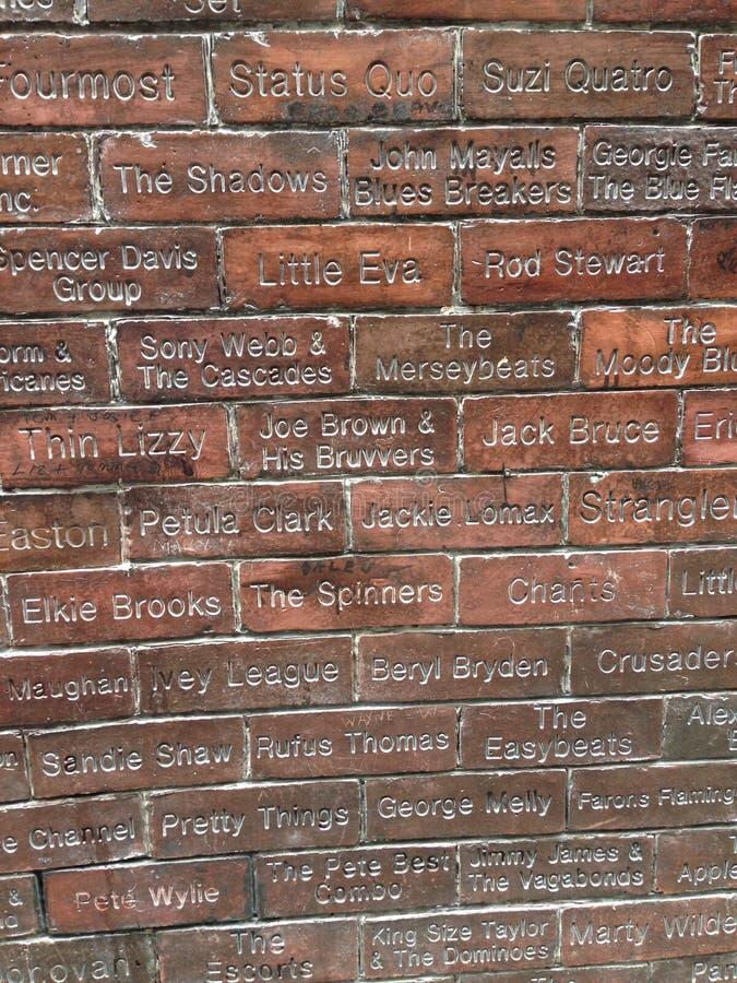 Berömda namn på den Liverpool väggen arkivfoton