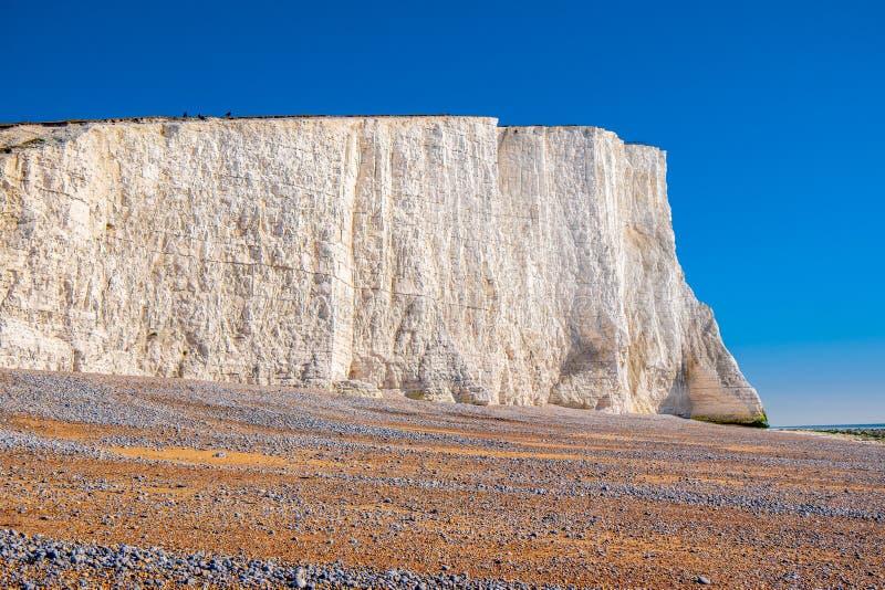 Berömda sju vita klippor för systrar på kusten av Sussex England arkivfoto