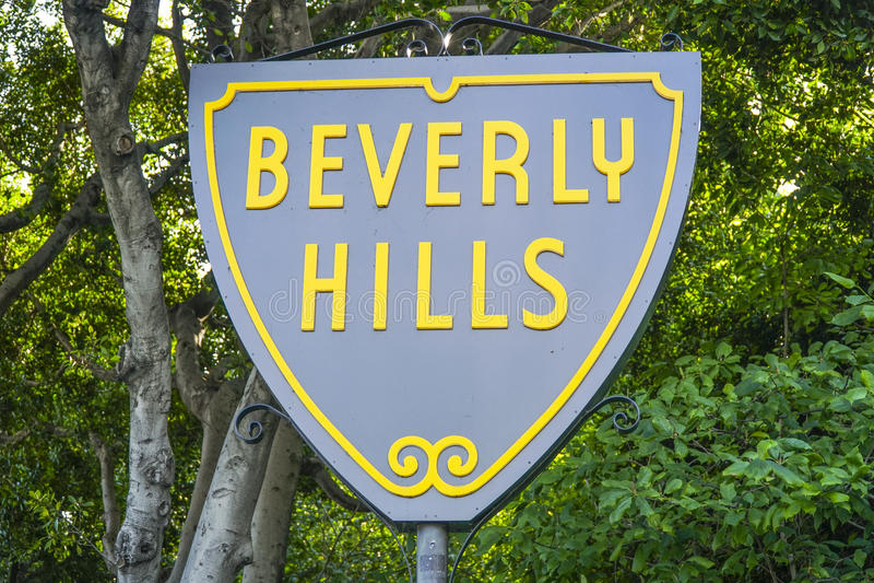 Berömt Beverly Hills tecken - LOS ANGELES - KALIFORNIEN - APRIL 20, 2017 royaltyfri foto
