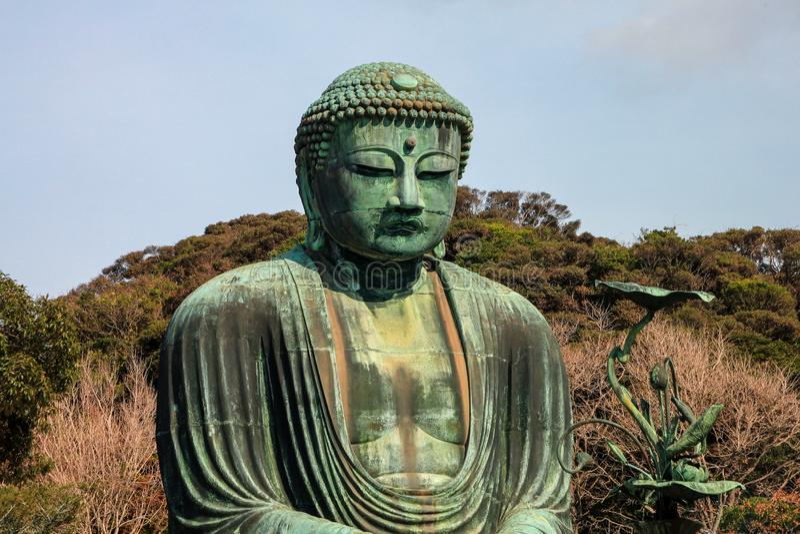 Berömt brons statyn av stora buddha, Kamakura, Japan royaltyfri bild