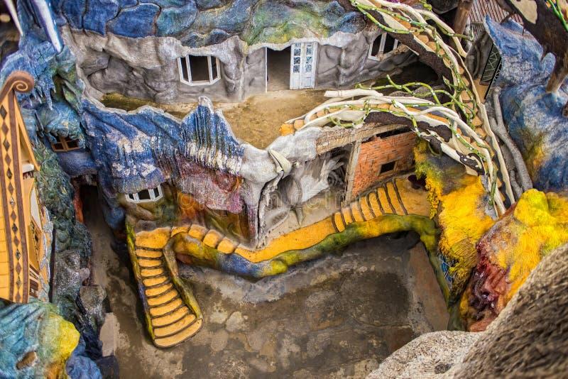 Berömt Hang Nga Crazy House hotell i Dalat, Vietnam arkivfoton