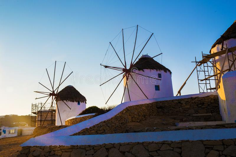 Berömt maler på Mykonos royaltyfria bilder