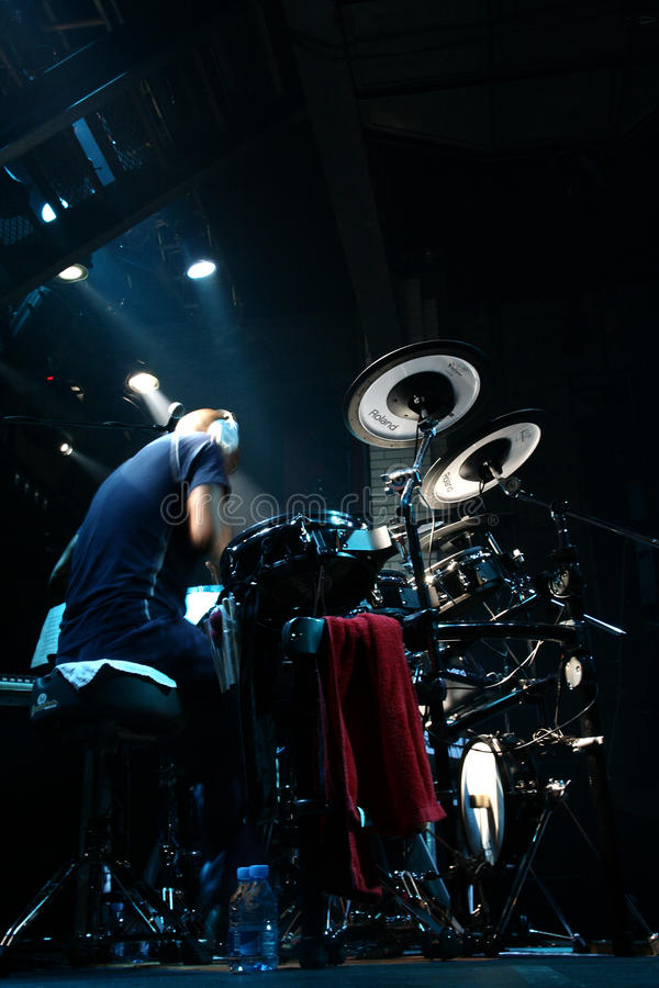 Schlagzeugerkünstler Omar Hakim lizenzfreie stockfotos