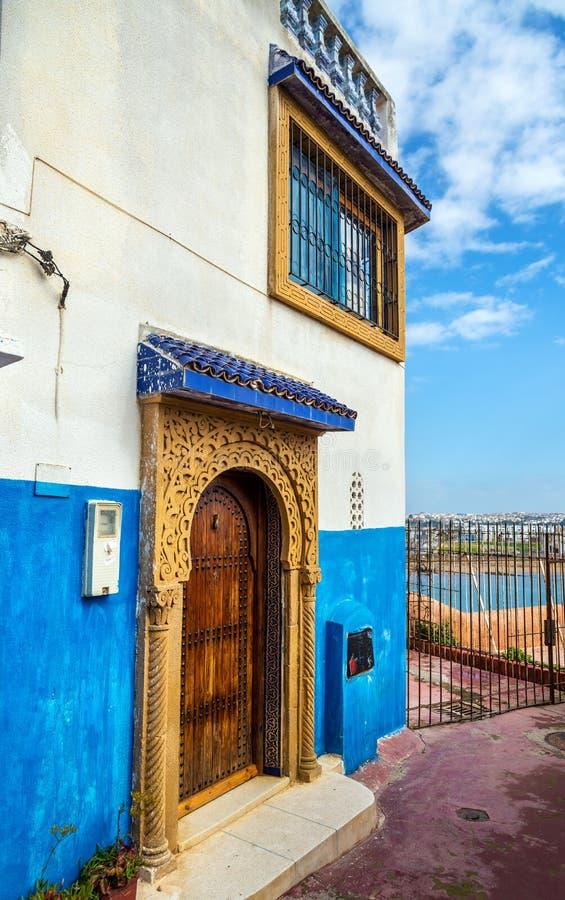 ber hmte blaue und wei e h user in kasbah des udayas des rabats marokko stockfoto bild von. Black Bedroom Furniture Sets. Home Design Ideas