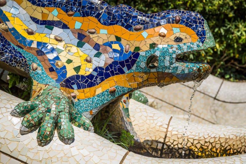 Berühmte Gaudi-Eidechse im Park Guell, Barcelona, Spanien stockbild