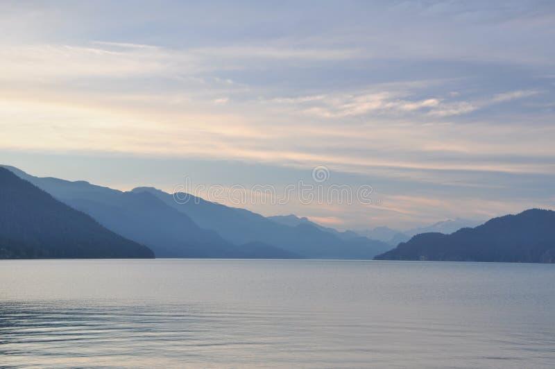 Berühmte Harrison-heiße Springs Seeansicht stockbild