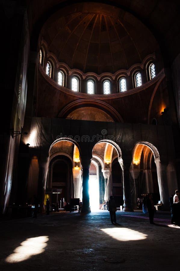 Berühmte herrliche Innenhallen und Hauben der Heiliges Sava-Kirche von innen in Belgrad, Serbien lizenzfreies stockfoto