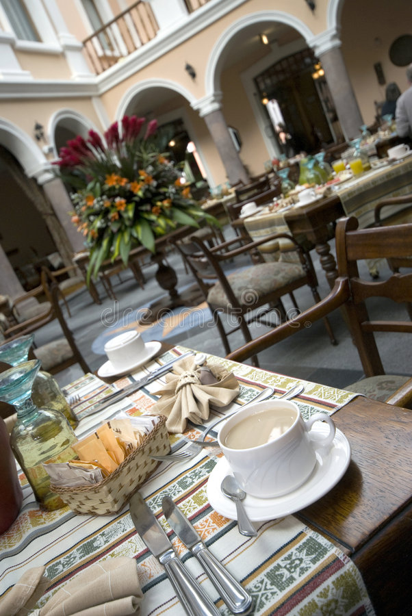Berühmte Hotelgaststätte des Kaffees lizenzfreie stockfotos