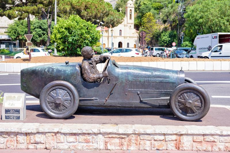 Berühmte Statue des ersten Rennwagens Grand- Prixformel 1 lizenzfreie stockfotos