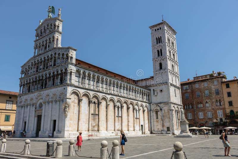 Berühmte und schöne Kirche San Michele in foro in Lucca lizenzfreies stockbild