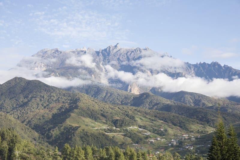 Berühmter Berg in Sabah lizenzfreies stockbild