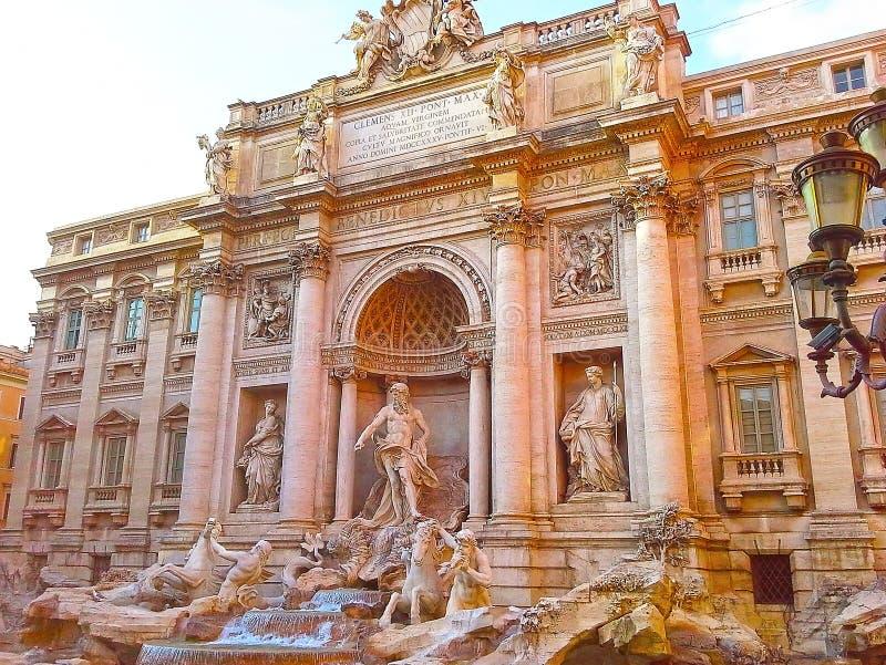 Berühmter Brunnen di Trevi in Rom, Italien, Europa lizenzfreie stockfotografie