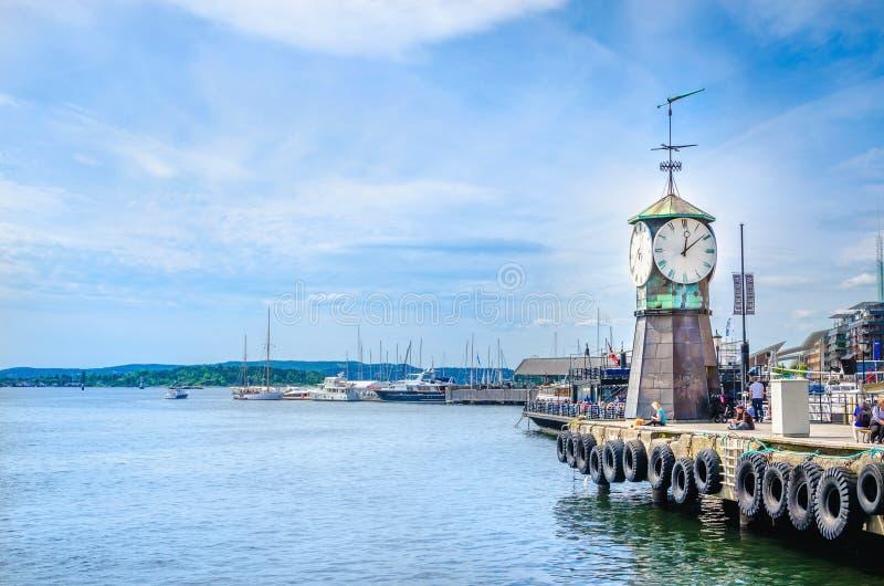 Berühmter Glockenturm in Oslofjord, Oslo, Norwegen lizenzfreies stockbild