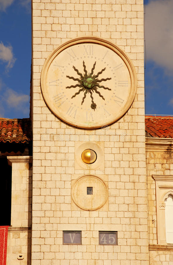 Berühmter Glockenturm von Dubrovnik (Kroatien) lizenzfreie stockbilder