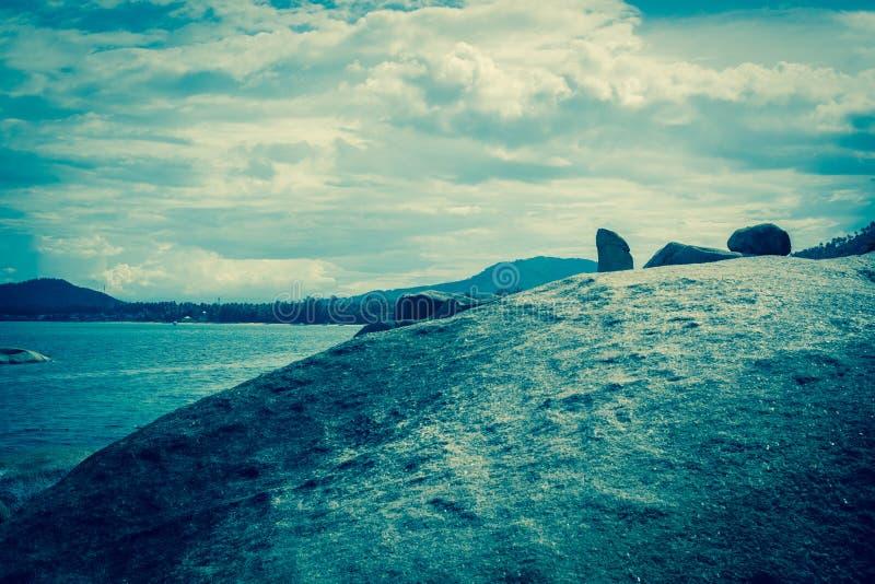 Berühmter großväterlicher Felsen auf Samui stockfotos