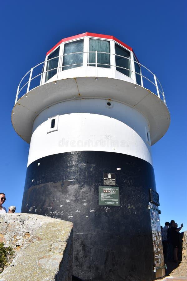 Berühmter Leuchtturm auf dem Weg zum Kap der Guten Hoffnung in Cape Town, Südafrika stockbild