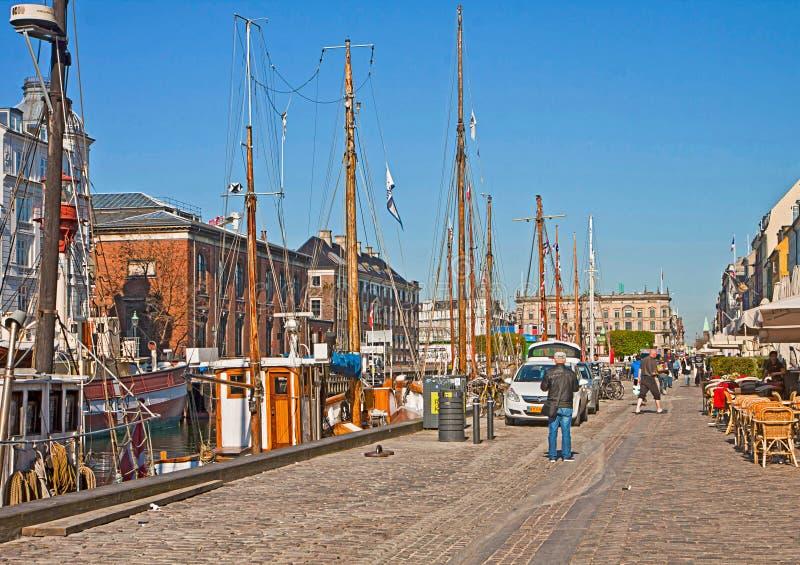 Berühmter Markstein Kopenhagens, Nyhavn und Unterhaltungsbezirk stockfotografie