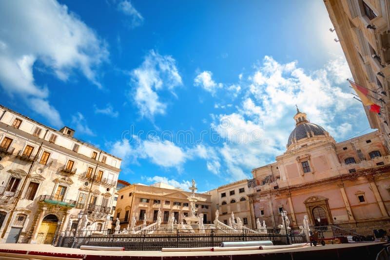 Berühmter Springbrunnen Pretoria auf der Piazza Pretoria in Palermo Sizilien, Italien stockfoto