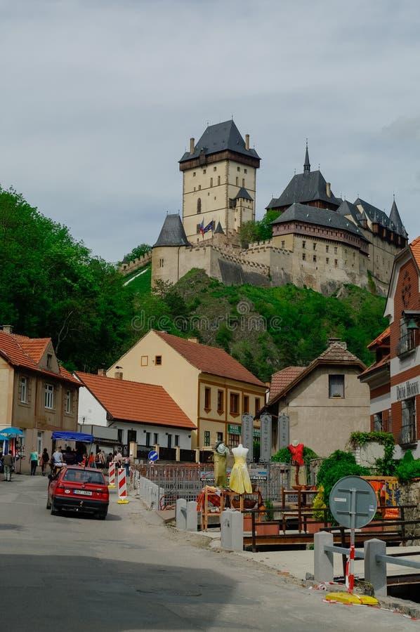 Berühmtes mittelalterliches Karlstejn-Schloss nahe Prag in der Tschechischen Republik stockbilder