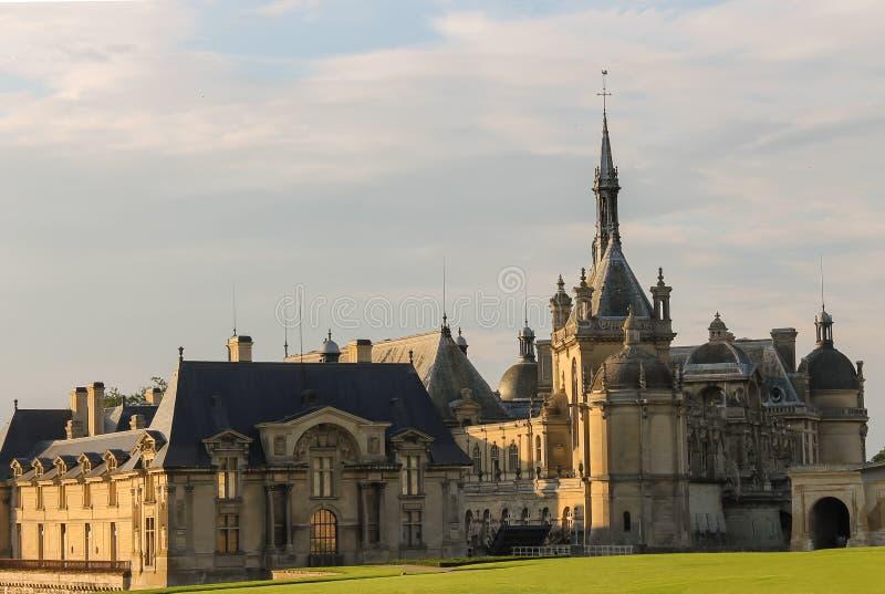 Berühmtes Schloss Chateaudes Chantilly Chantilly frankreich stockfotos