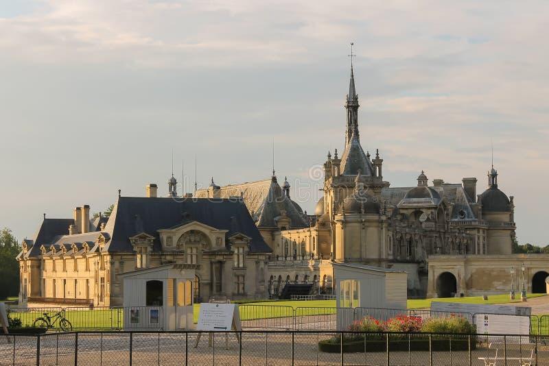 Berühmtes Schloss Chateaudes Chantilly Chantilly in Frankreich stockbilder