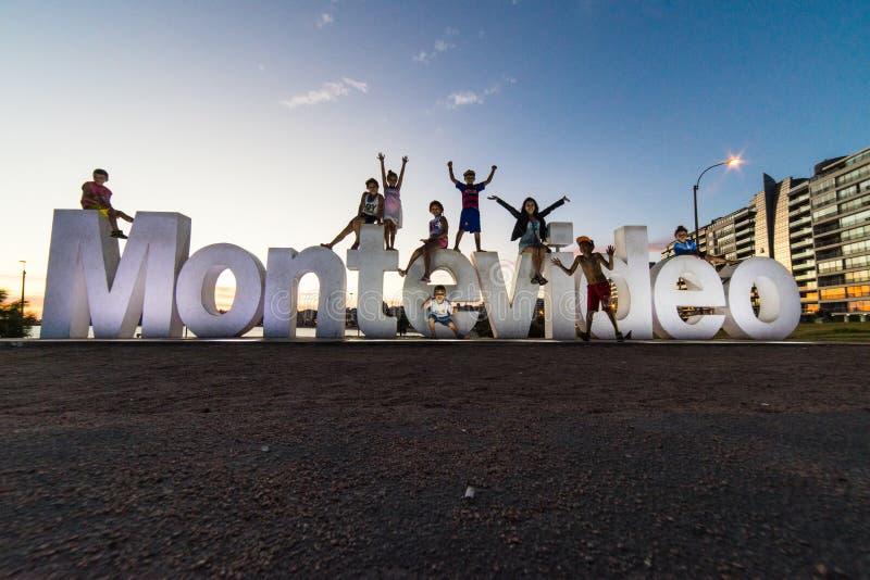 Berühmtes Zeichen auf der Promenade von Montevideo, Uruguay lizenzfreie stockfotos