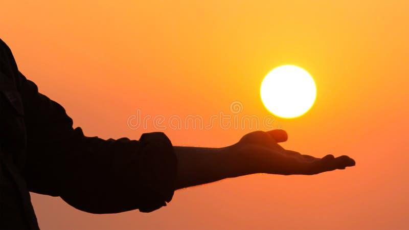 Berühren Sie die Sonne stockfotos