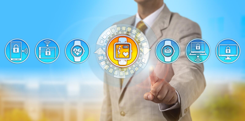 Berater-Offers Smartwatch Tracking-Herzfrequenz lizenzfreie stockfotografie