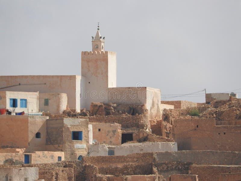 Berber wioski Tamezret Gabes gubernialna meczetowa gorąca pustynia afryka pólnocna w Tunezja fotografia royalty free