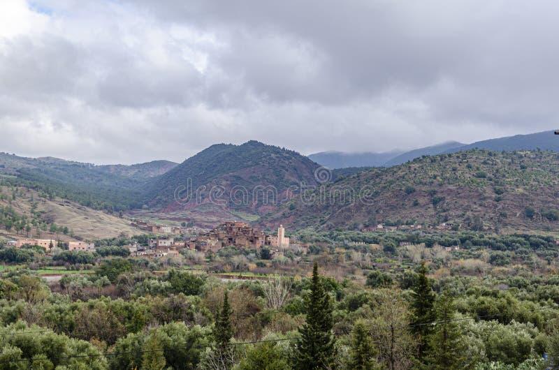 Berberdorp in imlilvallei in de hoge Atlasbergen Marrakech Marokko Afrika royalty-vrije stock foto