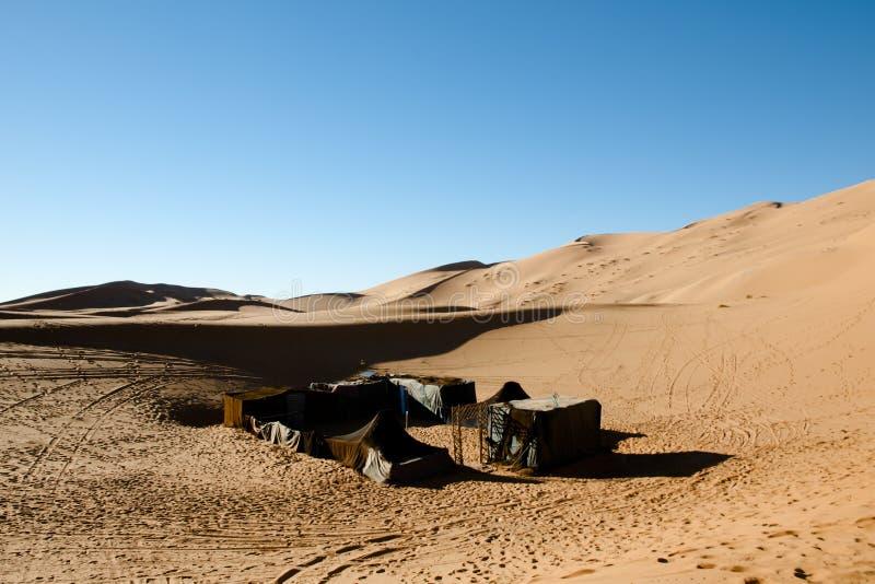 Berbertenten in Merzouga-Duinen - Marokko stock afbeelding