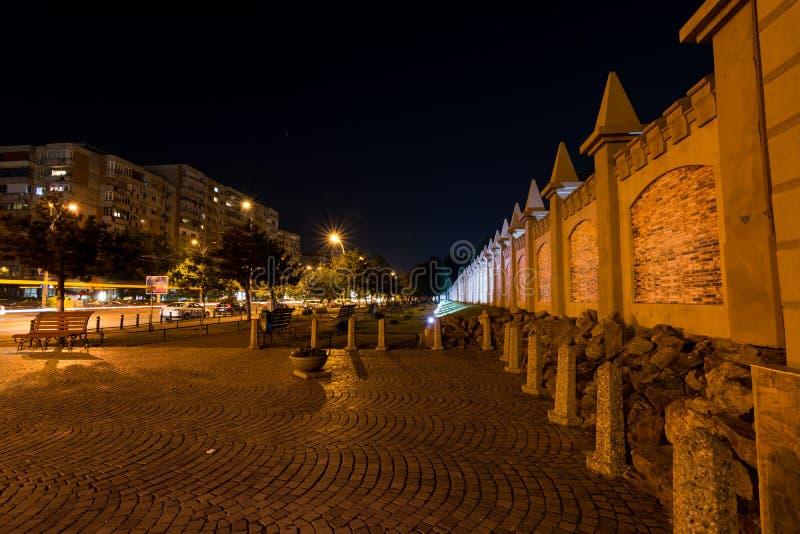 Berceni neighbourhood vid natt, Bucharest arkivbild