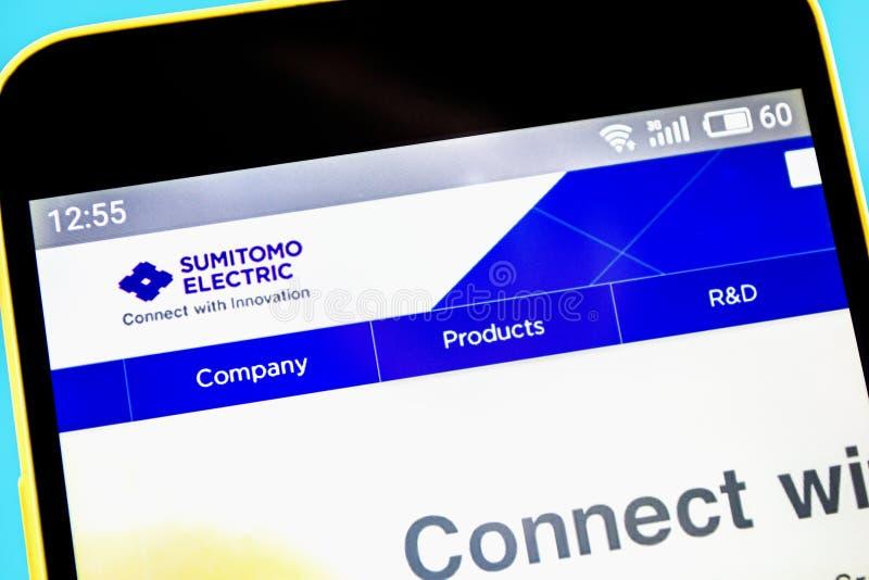 Berdyansk, de Oekraïne - 14 Mei 2019: Homepage van de Sumitomo de Elektrische website Sumitomo Elektrisch embleem zichtbaar op he royalty-vrije stock foto