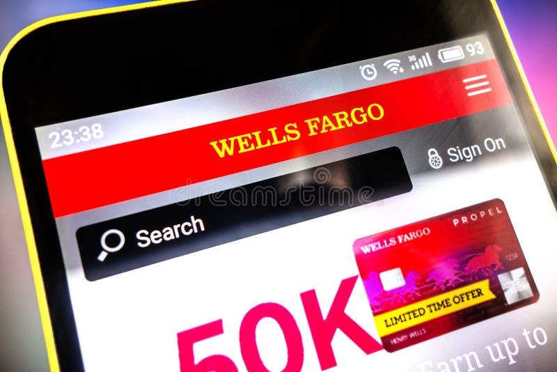 Berdyansk, Ucrania - 31 de marzo de 2019: Editorial ilustrativo del homepage de la página web de Wells Fargo Logotipo de Wells Fa fotografía de archivo